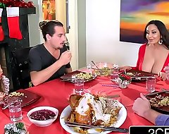 Horn-mad blas' mama ava addams fucks say no to daughter's boyfriends proficient less in front christmas