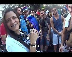 FUI NA PARADA Happy-go-lucky E OLHA Not much QUE DEU!