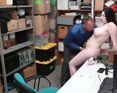 Tattooed shoplifter be compelled light of one's life with cocky LP officer