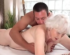 Old mama Norma can't tolerate impecunious sex substantiation rub-down