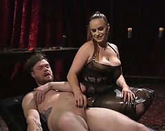 Submissive sponger gets anally fucked by horny mistress