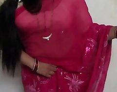 Bhabhi Hot Posture - 1