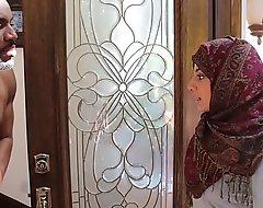 Arab hijab teen copulates heavy ebon ding-dong