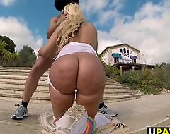 Big Boodle Blondie Fesser twerking roughly Europe