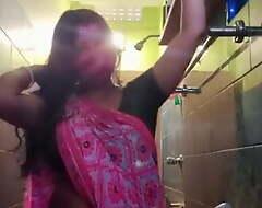 Desi randi wife Arpita nude in bathroom 1